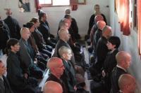 L'atmosphére du zazen dans le dojo zen de shobogenji, argentine, kosen sangha