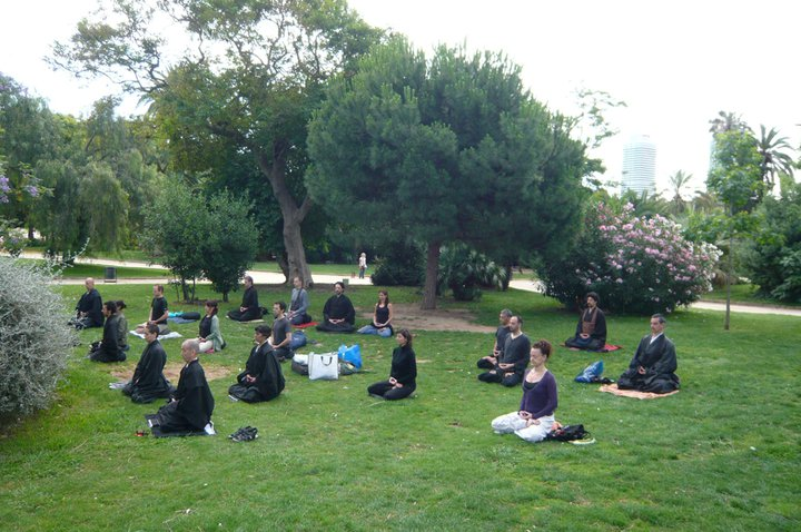 Dojo Barcelona Zazen en el parque