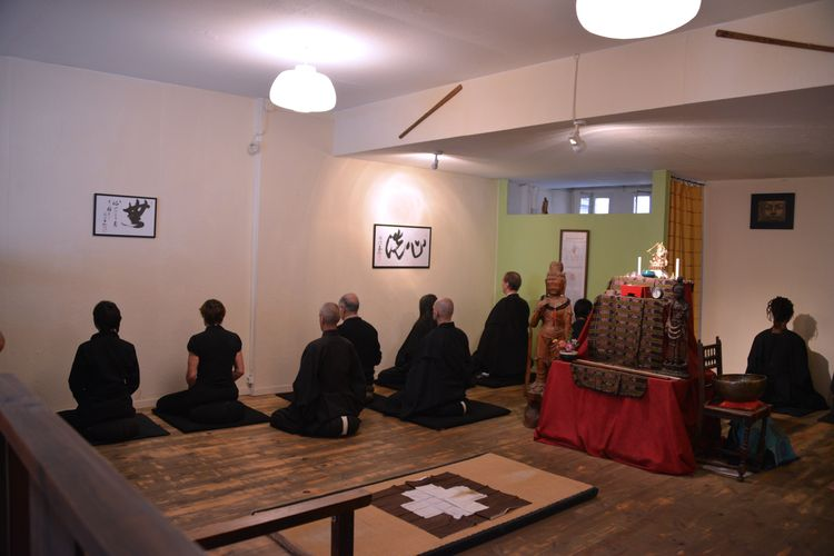 Pratique de zazen au dojo de Montpellier