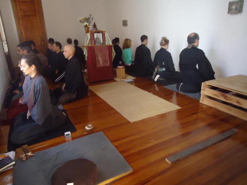 Pratique du zen au dojo Zen de Rosario, Argentine
