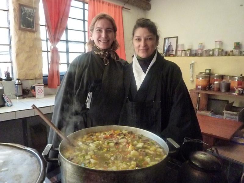 Dojo Zen de Buenos Aires, Nancy y Mariana en Shobogenji sesshin invierno 2012