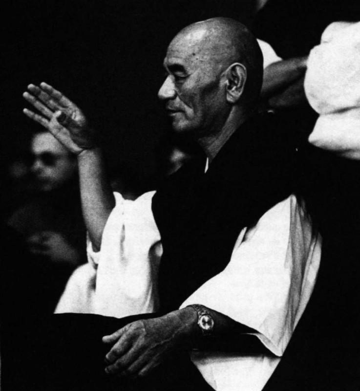 El maestro Deshimaru en conferencia