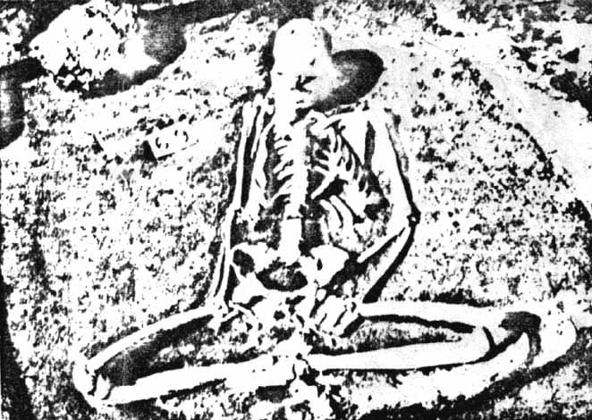 Préhistoire du zen : squelette d'un homme en position de zazen, fouilles de Lepenski