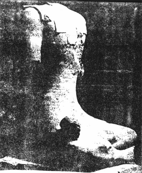 "Prehistory of zen, zazen in statues of the ""sitting god"", found in Roquepertuse"