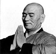 Maestro Taisen Deshimaru en gassho