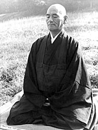 Maestro Taisen Deshimaru en zazen